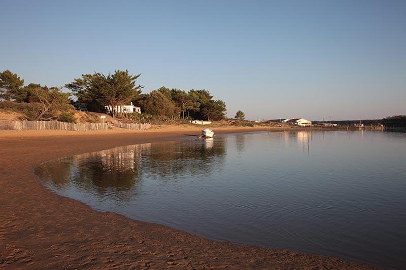 Le port de la Guittière (et ses parcs à huîtres)
