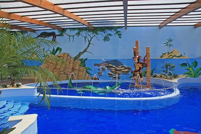 Camping avec piscine couverte jard sur mer camping jard - Camping erdeven avec piscine couverte ...