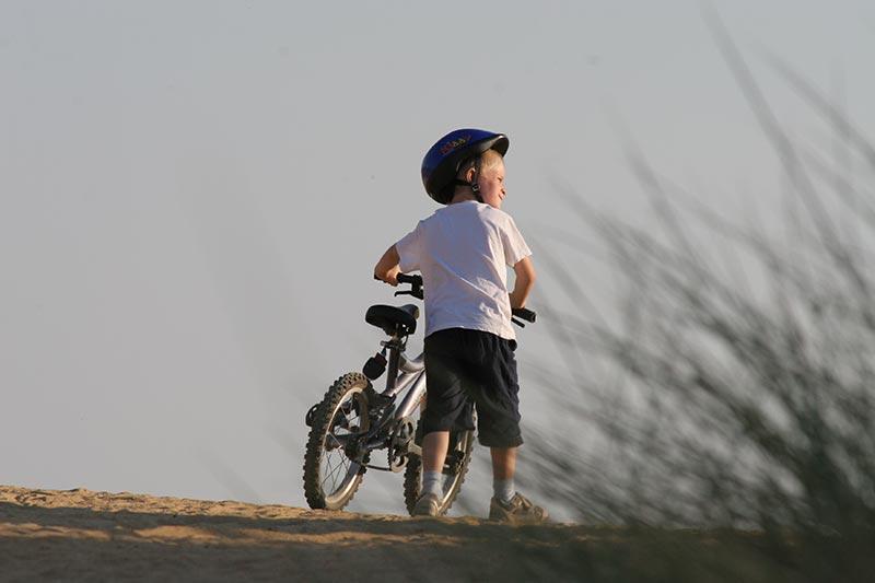 promenade à vélo au départ du camping la Pomme de PIn Jard sur Mer