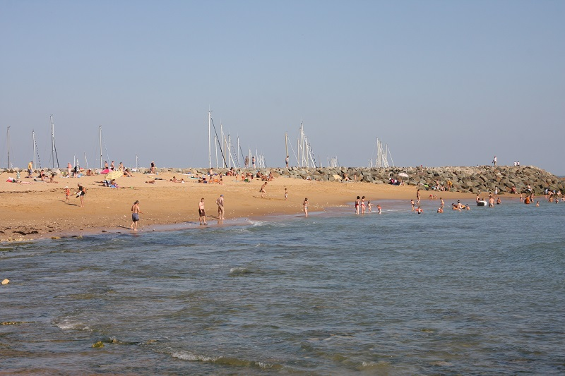 plage proche camping location pas cher
