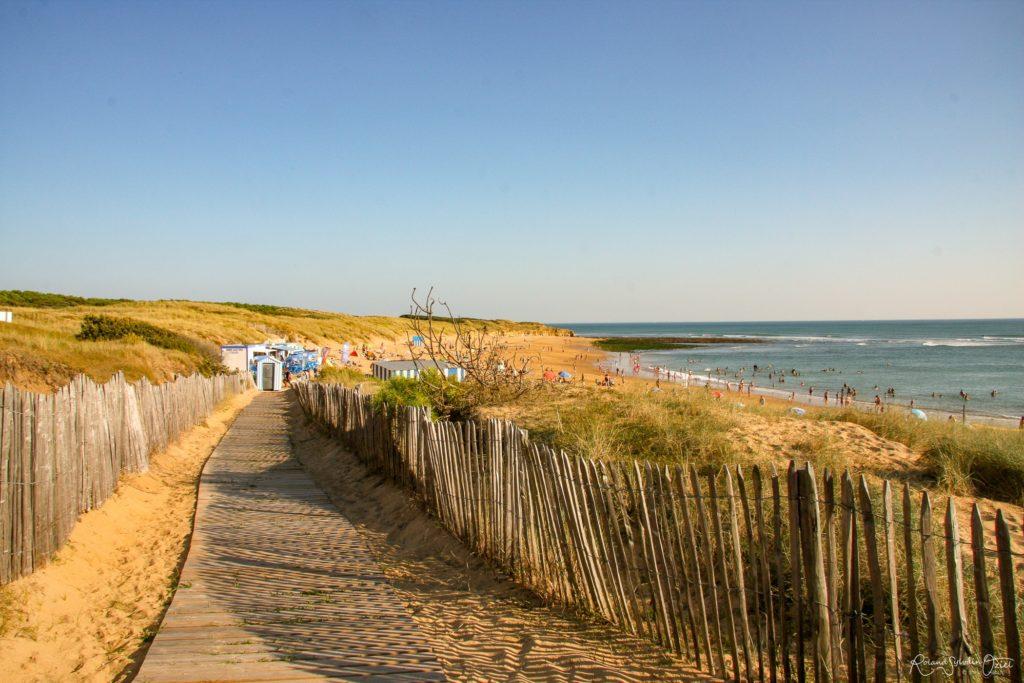 infrastructure permettant l'accessibilité aux plages de la Vendée proches du camping