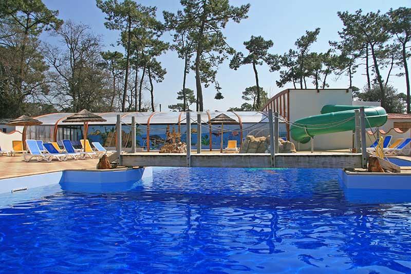 piscine chauffée extérieure du camping