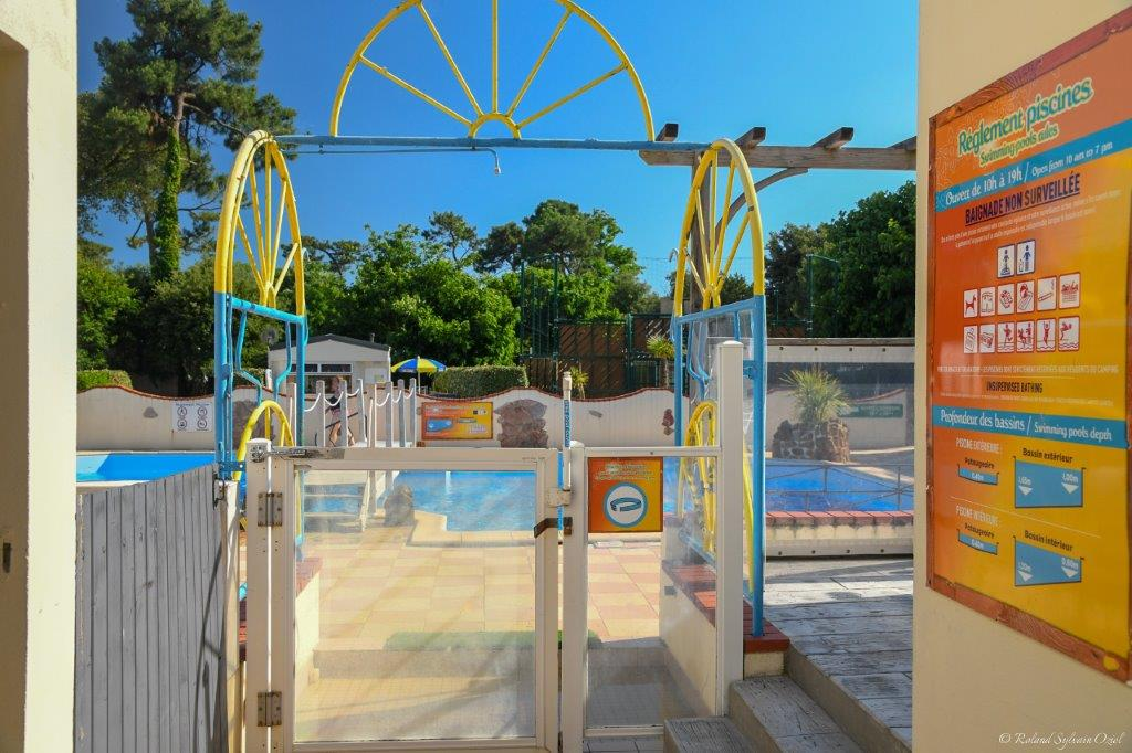 ambiance piscine camping Jard sur Mer