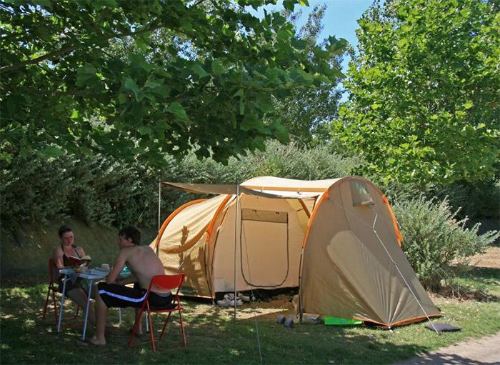emplacement camping Paradis la Pomme de Pin
